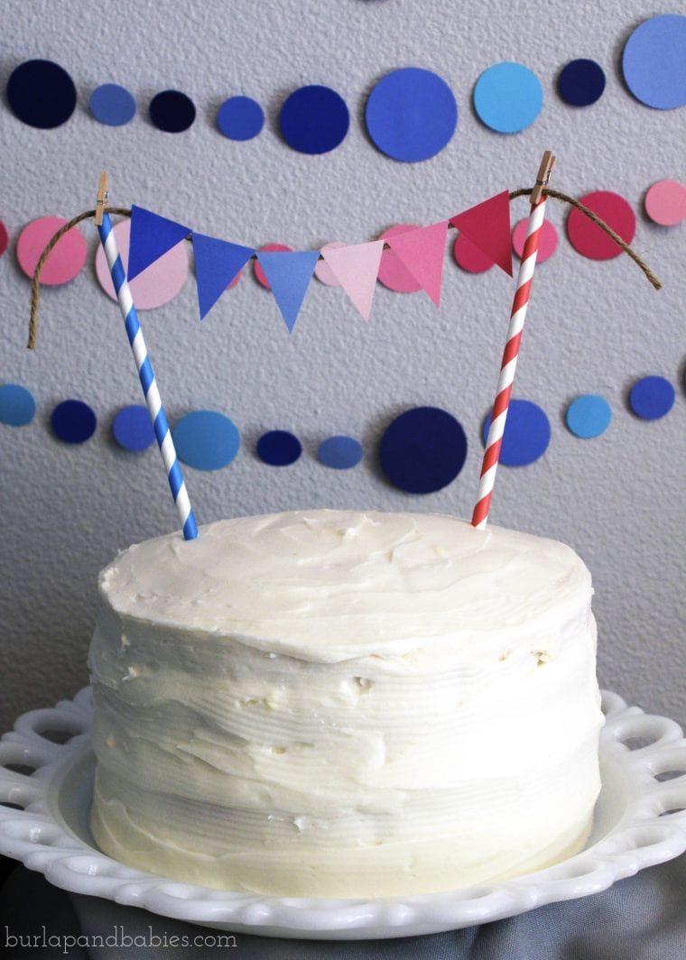 Cake with white icing image.