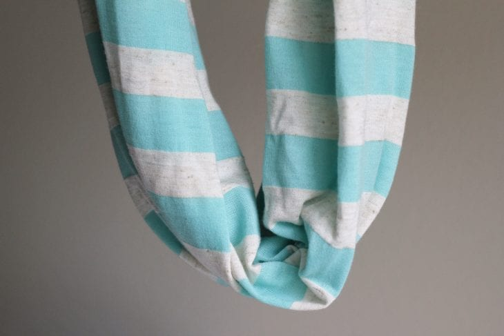 Blue and white infinity scarf image.