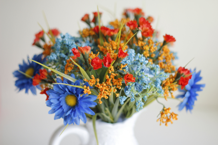 The Trick to Arrange Flowers like a Pro
