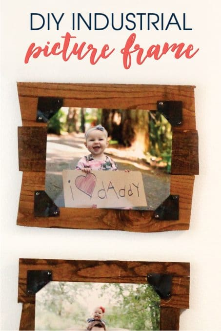 Create this industrial picture frame using an old pallet and and sheet metal. Add some photos from a little photoshoot with your kids and you have the perfect Father's Day gift!