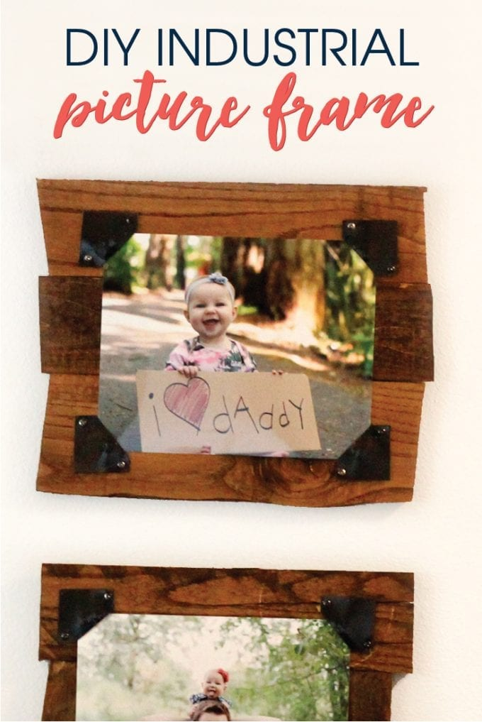 DIY pallet picture frame image.