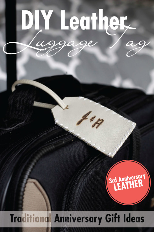 Leather Luggage Tag | Create these easy luggage tags from an old leather purse. Celebrate the 2nd traditional anniversary with the gift of leather. Plus, get a free printable with 10 more leather gift ideas!