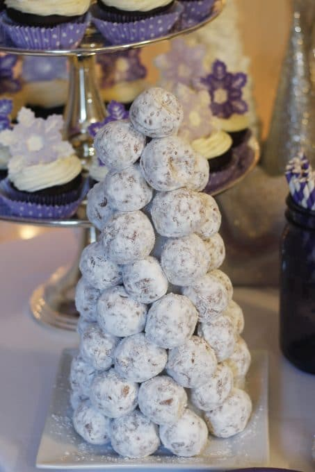 Hot chocolate bar with donut hole tree image.