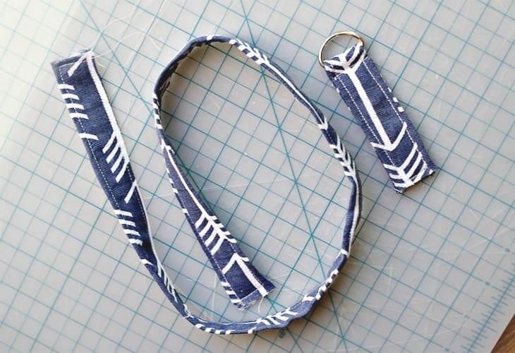Sewn fabric strap image.