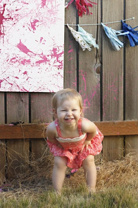 Love this fun and creative gender reveal with balloons and darts. Pin this popular idea!