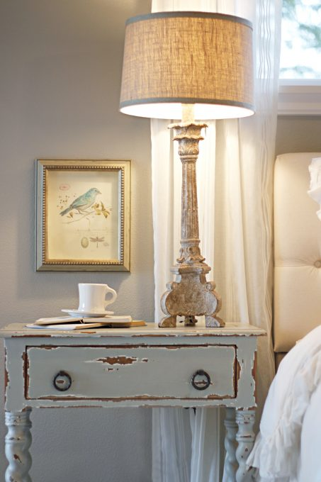 Vintage Countryside | 9 Side Table Design Trends to expect in 2017 — everything from rustic and industrial to farmhouse and French country.