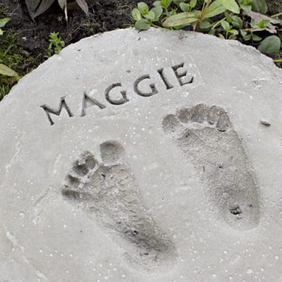How to Make Footprint Garden Stones