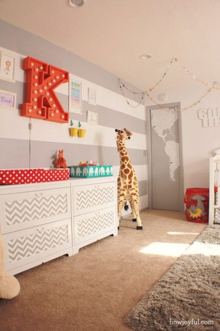 Circus themed baby nursery room image.