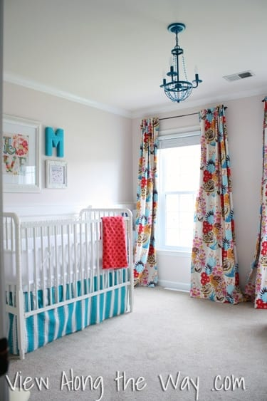 Minimalist and patterns baby nursery room image.