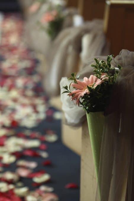 A little wedding recap sharing DIY wedding decor before Pinterest was around. This budget-friendly wedding has some great ideas!