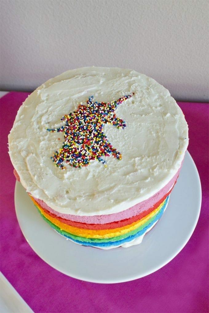 Unicorn cake design image.