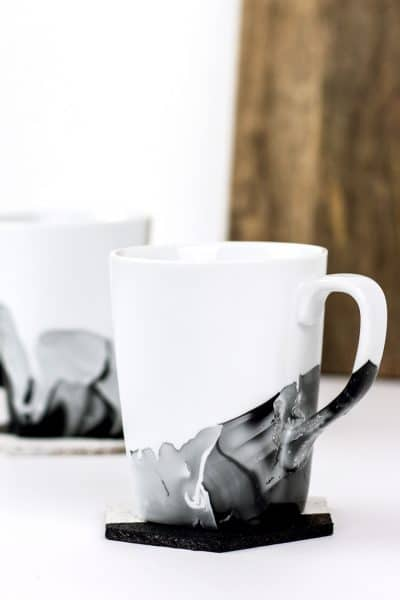 DIY Marble Mugs using Nail Polish