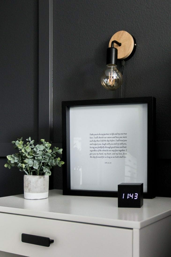Minimalist nightstand clock