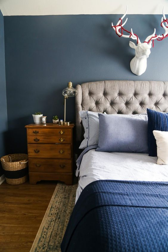 Check out these GORGEOUS master bedrooms with dark walls to inspire you that light isn't always better.