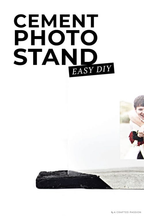 How to make a DIY concrete picture stand? Turn a simple stand picture stand into a modern look everyone will love! #diypicturestand #modernpicturestand