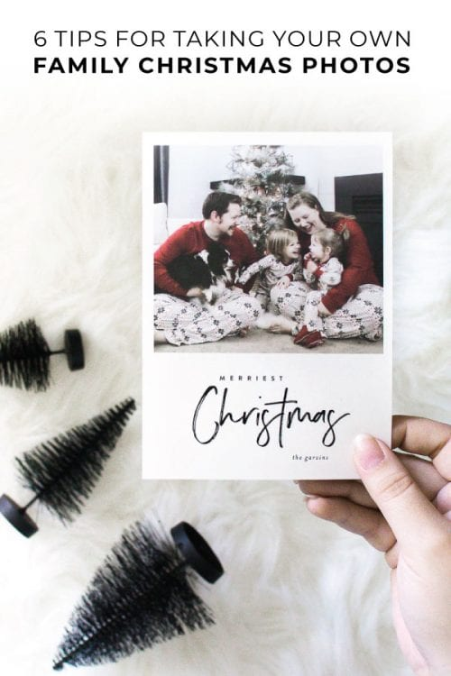 Are you waiting to order your Christmas cards until you get the perfect photo? Wait no more! Check out my best tips for DIY family Christmas photos to make Christmas cards stress-free and fun! #christmascards #sponsored #minted #christmas