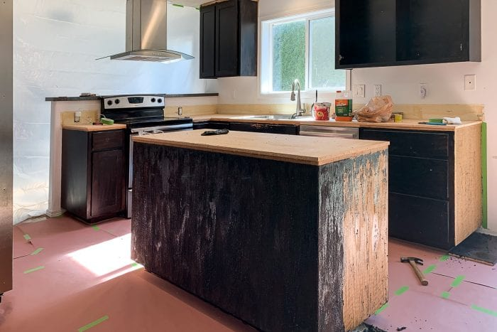 Image of kitchen before renovation