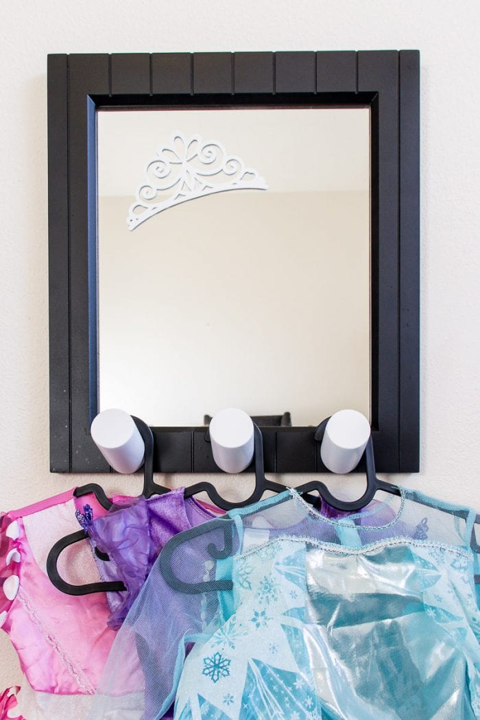 Image of little girls' dress up mirror